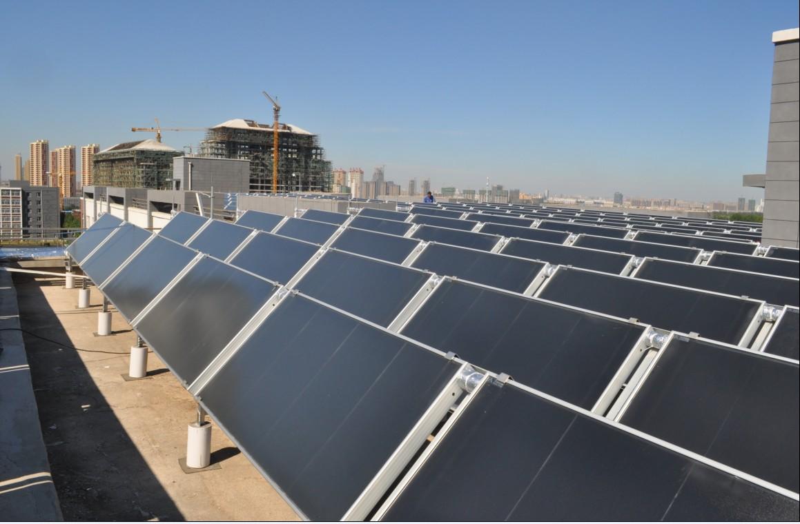 吉林建筑大学学生浴池100吨热管式平板型太阳能热水工程